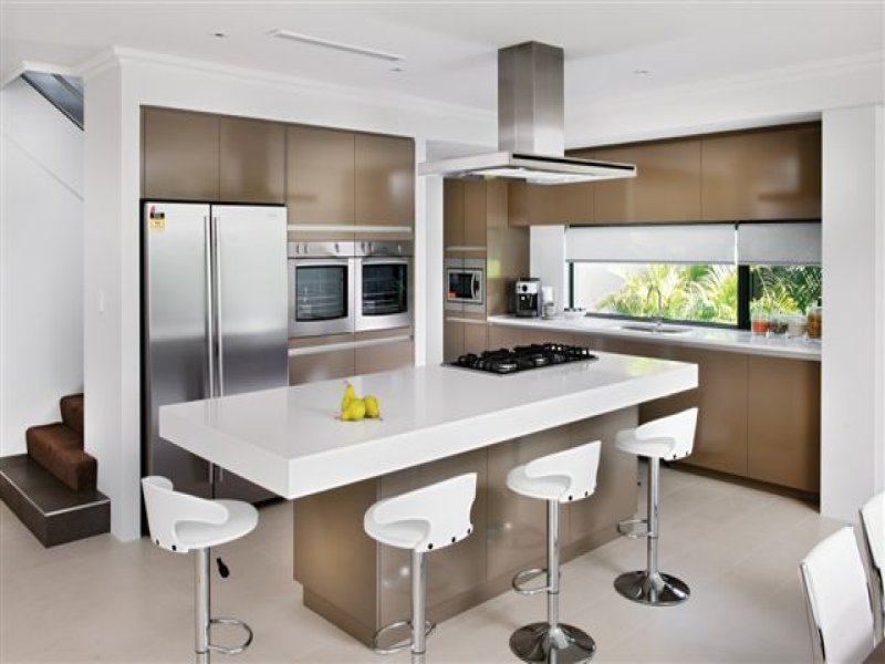 Modern Island Kitchen Design Using Marble