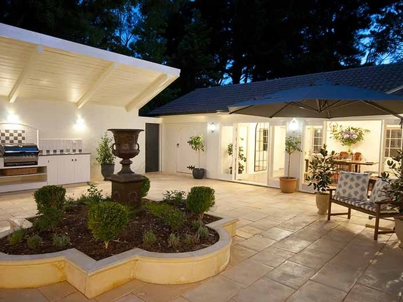 Outdoor Living Design With Bbq Area From A Real Australian Home Photo 460720