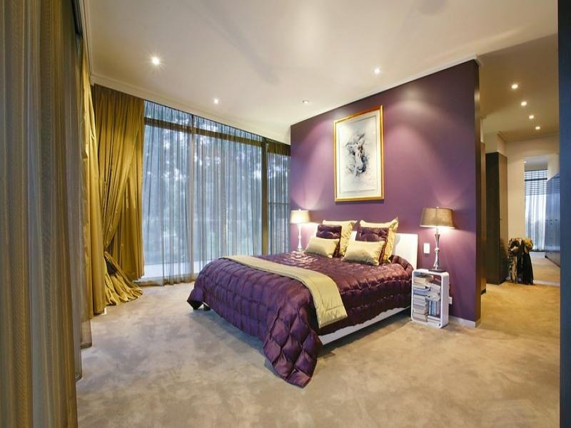 Modern bedroom design idea with carpet floor to ceiling for Bedroom carpet ideas
