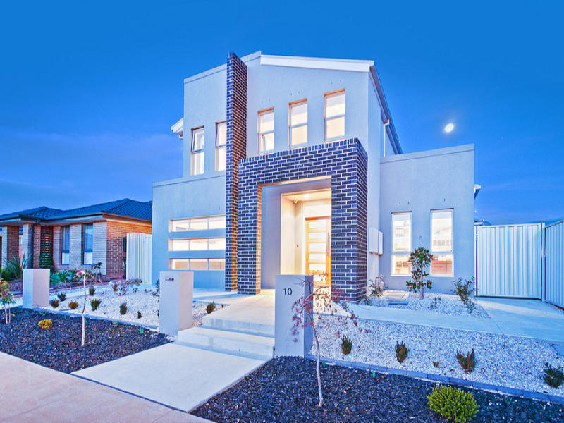Brick modern house exterior with portico amp decorative lighting house