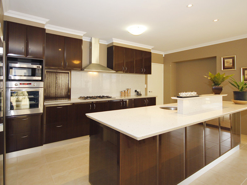 Modern open plan kitchen design using laminate - Kitchen Photo 439456