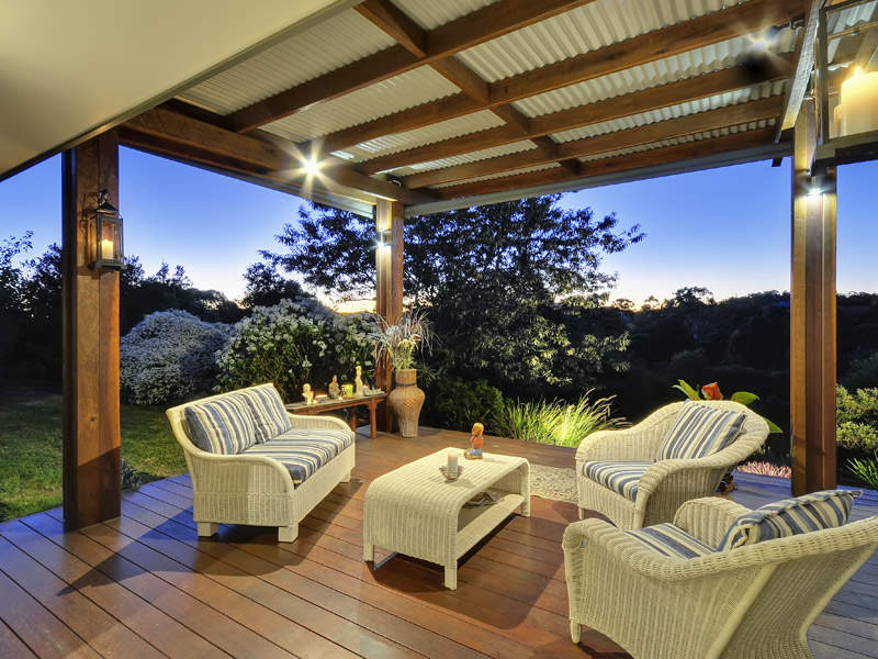 Outdoor living design with deck from a real Australian home - Outdoor Living photo 512229