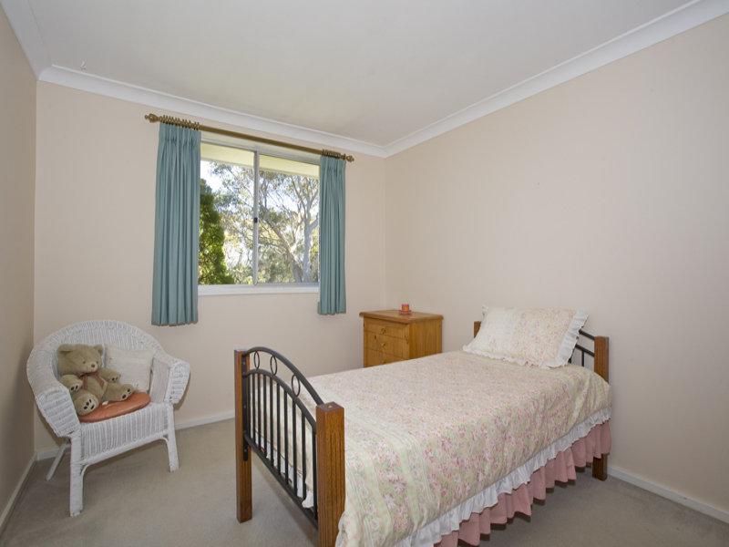 Children's room bedroom design idea with cane & bi-fold doors using silver colours - Bedroom photo 399147