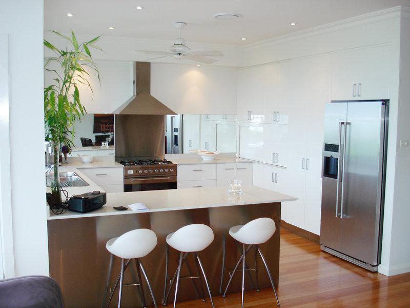 Modern U Shaped Kitchen Design Using Floorboards Kitchen