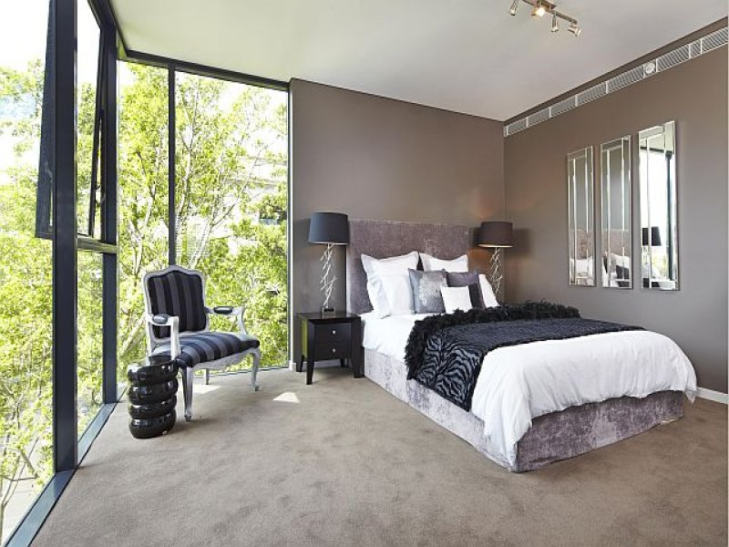 Interior french bifold doors - Classic Bedroom Design Idea With Leather Amp Bi Fold Doors