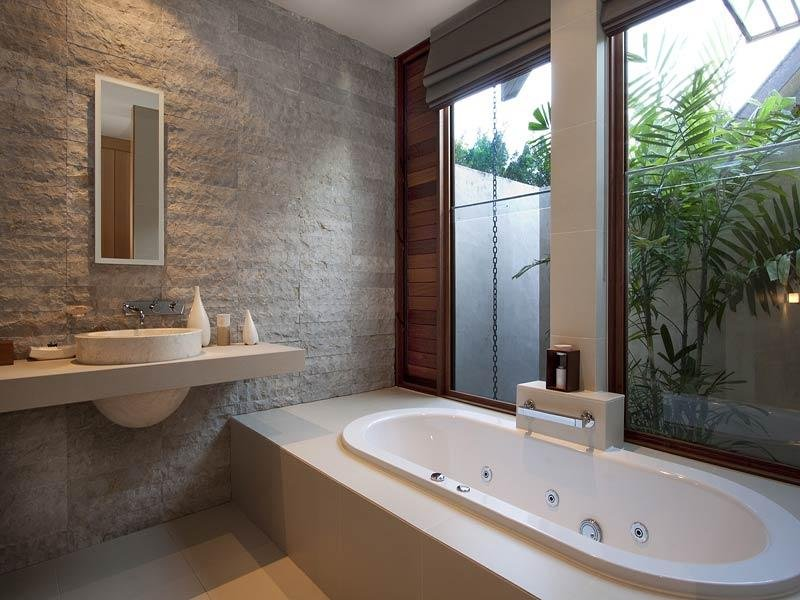 Classic Bathroom Design With Corner Bath Using Frameless Glass Bathroom Photo 228841