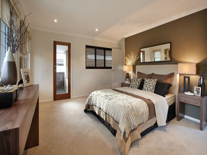 Classic bedroom design idea with carpet bi fold windows for Bedroom designs and colours