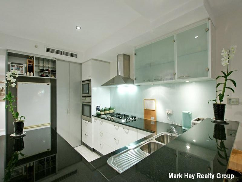 Modern U Shaped Kitchen Design u-shaped kitchen design using glass - kitchen photo 393700