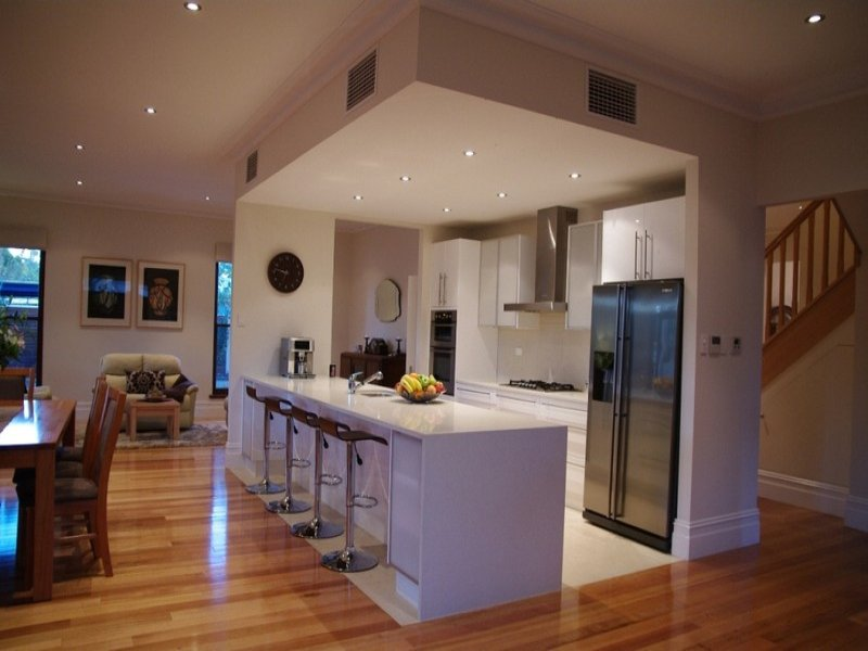 Modern kitchen-dining kitchen design using floorboards - Kitchen Photo 404915
