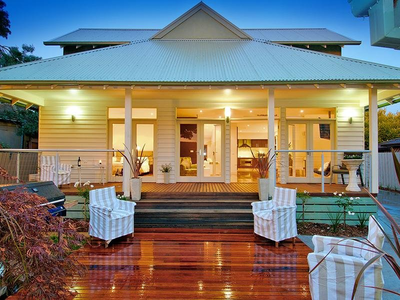 ... house exterior from real Australian home - House Facade photo 427689