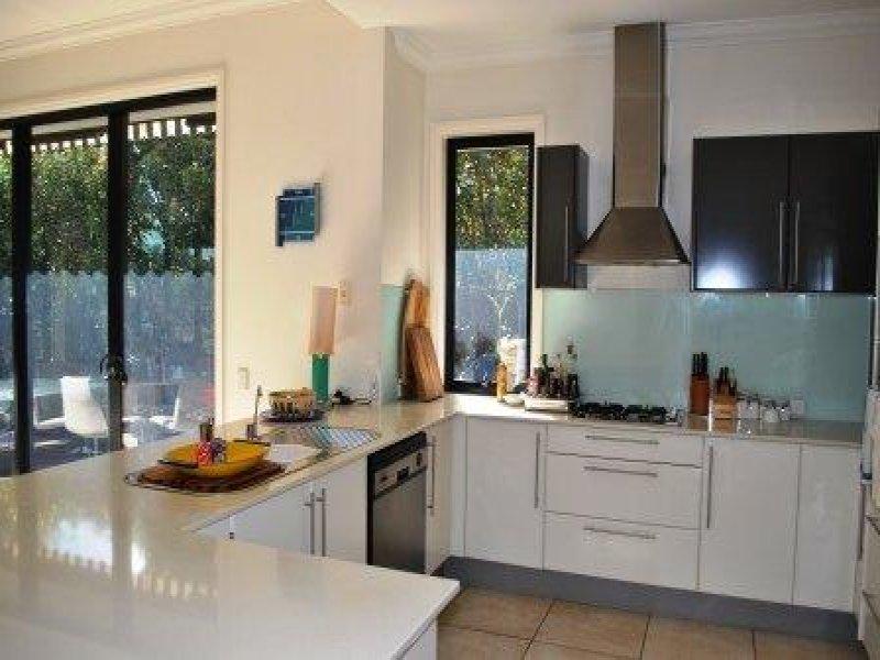 Modern U Shaped Kitchen Design Using Granite Kitchen Photo 1412354