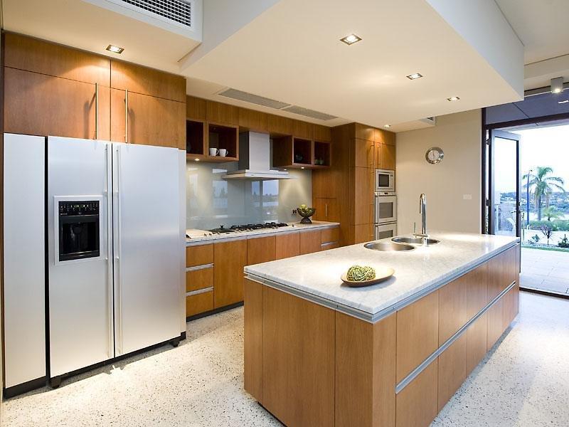 Laminate Kitchen Island : Modern island kitchen design using laminate - Kitchen Photo 417876