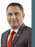 Ahsan Qureshi, Professionals - Caroline Springs