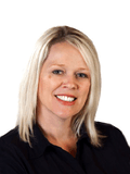 Michelle Gosling, DJ Stringer Property Services - Coolangatta