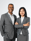 Jun Yang & Chris Crasto 杨俊 & 克里斯, Crasto Properties - Robina