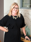 Jo Jones, Tucker Real Estate - Mollymook