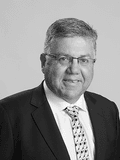 Peter Nicolls, K R Peters - Wantirna