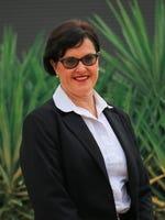 Elaine Seal