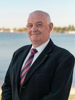 Milton Coombe