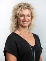Angela Leet