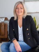 Carolyn Dutton