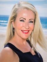 Debbie Frizelle