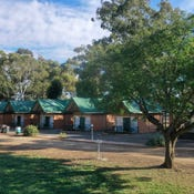 Jamestown Country Retreat Caravan Park, 103 Ayr Street, Jamestown, SA 5491