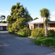 - Castaway Holiday Apartments, Strahan, Tas 7468