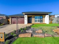 18 Widdis Way, Gisborne, Vic 3437