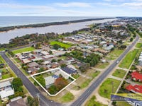 74-76 Roadknight Street, Lakes Entrance, Vic 3909