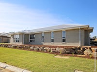33 Sturrock Drive, Boorooma, NSW 2650