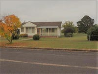 38 Rowan Avenue, Uralla, NSW 2358