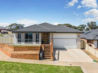 14 Hakea  Street, Broadford, Vic 3658