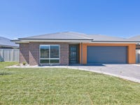 48 Quiberon Way, Goulburn, NSW 2580
