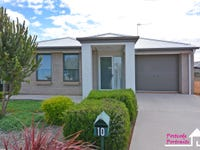 10 Warnes Avenue, Whyalla Jenkins, SA 5609