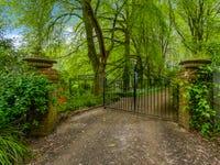 33 Devonshire Lane, Mount Macedon, Vic 3441