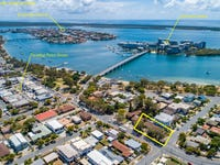 1&2/411 Bayview Street, Paradise Point, Qld 4216
