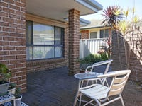 2/5 Mayfair Place, Forster, NSW 2428