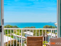 2 Island Outlook, Villa 25, Caves Beach, NSW 2281