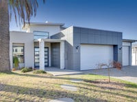 8 Infinity Court, Paynesville, Vic 3880