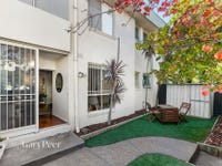 2/2 Carnarvon Road, Caulfield North, Vic 3161