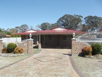 10 Fairway Crescent, Stanthorpe, Qld 4380