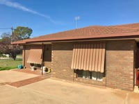 1/3 Mazamet Court, Deniliquin, NSW 2710