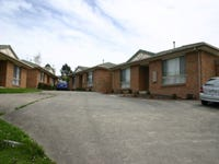 Unit 2/1-3 Dunbar Grove, Churchill, Vic 3842