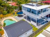 6 Holly Road, Victoria Point, Qld 4165