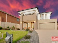 32 Manoora Ave, Clyde North, Vic 3978