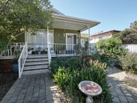 19 Hely Avenue, Turvey Park, NSW 2650