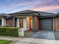 11 Camargue Circuit, Clyde North, Vic 3978
