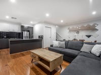 53/4 Pearlman Street, Coombs, ACT 2611