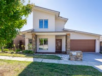 12 Kevin Curtis Crescent, Casey, ACT 2913
